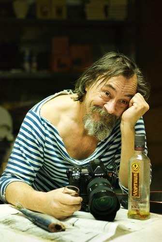 Фотовыставка - «Мир уцелел, потому что смеялся»